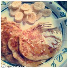 Flourless Banana Peanut Butter Pancakes (uses egg)