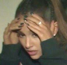 ariana grande et reaction image sur We Heart It - memes Memes Estúpidos, Stupid Memes, Meme Meme, Meme Faces, Funny Faces, Ariana Grande Meme, Sapo Meme, Memes Lindos, Response Memes