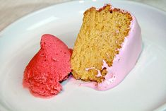 GAPS Diet Birthday Cake  This birthday cake looks and tastes just like a real birthday cake, but it's grain-free, dairy-free and sugar-free. And it's totally legal on the GAPS diet.