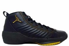 Air Jordan 19 Retro Original (OG) SE-Black Metallic Gold Shoes,Air Jordan 19 Retro Original (OG) SE-Black Metallic Gold Shoes, which was inspired by the most dangerous snake in Africa, black Manba, people will lost themselves in the outstanding appearance performance and luxurious atmosphere. The full grain leather was covered on the appearance of the jordan basketball shoes while a crack pattern was printed on the toe cap.