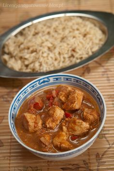 Chicken curry with tomatoes, cream & tamarind - YUM! the recipe is in Polish tho...