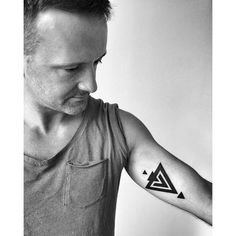 A small #triangle #geometric piece for Arek. Thanks so much! Enjoy your time in…