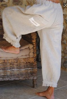 le panty Carambar – les chiffons de pucerone Cute style of pants. they'd be so comfortable…linen. Mode Style, Style Me, Beautiful Outfits, Cool Outfits, Mode Hippie, Romantic Outfit, Boho Fashion, Womens Fashion, Linen Pants