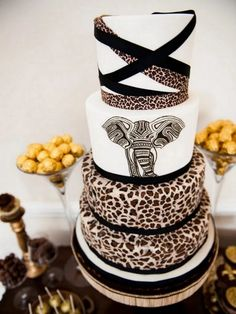 Adorable African Wedding Cake Ideas That You Will Love For Your Inspirations - How to plan an African Inspired Wedding on a Budget Many African American couples like the idea of incorporating their heritage into their wedding nup. Luxury Wedding Cake, Black Wedding Cakes, Cool Wedding Cakes, Beautiful Wedding Cakes, Wedding Cake Designs, Wedding Ideas, Wedding Blog, Zulu Wedding, Wedding Planning