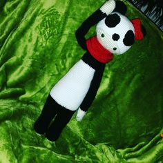 "panda mod made by Anna S. / based on the crochet pattern ""BINA the bear"""