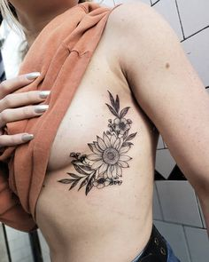 awesome sunflower tattoo ideas © tattoo artist Jordan Allred ❤🌻❤🌻❤🌻❤🌻❤🌻❤ thigh tattoo Celebrate the Beauty of Nature with these Inspirational Sunflower Tattoos Nature Tattoos, Body Art Tattoos, Sleeve Tattoos, Rib Cage Tattoos, Side Rib Tattoos, Faith Tattoos, Tattoo Skin, Quote Tattoos, Dragon Tattoos