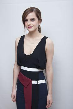 Look onder de loep: Emma Watson Emma Love, Emma Watson Beautiful, My Emma, Natalie Portman, Emma Watson Style, Girl Crushes, Beautiful People, Beautiful Women, Hello Beautiful