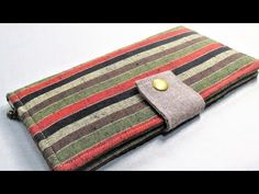 簡単ぺったんこ長財布作ってみた &作り方 - YouTube Wallet Sewing Pattern, Sewing Patterns, Sew Wallet, Fabric Bags, Quilted Bag, Hand Embroidery Designs, Handmade Bags, Zipper Pouch, Diy And Crafts