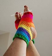 Yoga Socks. Free crochet pattern.