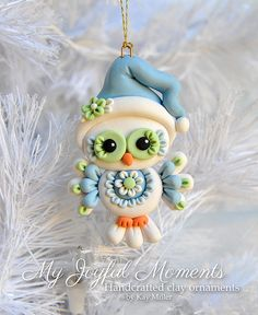Handcrafted Polymer Clay Owl Ornament par MyJoyfulMoments sur Etsy Plus Polymer Clay Owl, Polymer Clay Kunst, Polymer Clay Ornaments, Polymer Clay Animals, Polymer Clay Projects, Polymer Clay Creations, Clay Crafts, Polymer Clay Christmas, Cute Clay
