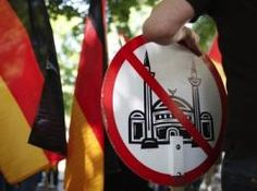 Национализация Европы: избиратели голосуют против социализма и мусульман  http://news24ua.com/nacionalizaciya-evropy-izbirateli-golosuyut-protiv-socializma-i-musulman