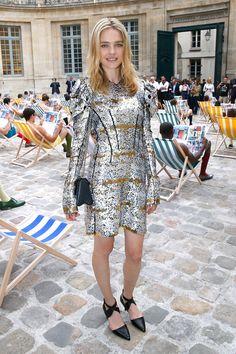 Natalia Vodianova en robe lamé Louis Vuitton