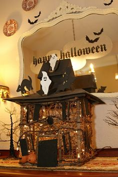 Halloween decorations - could be made with placemats Halloween Photos, Halloween Outfits, Halloween Themes, Halloween Crafts, Halloween Decorations, Halloween Tricks, Halloween Clothes, Halloween Stuff, Witches