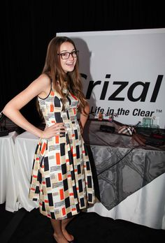 Spotted: Shailene Woodley wearing Crizal No-Glare lenses at the Golden Globes 2012 GBK Gift Lounge.