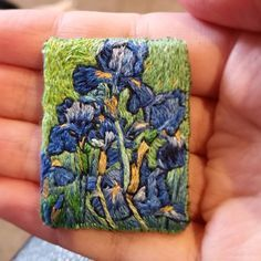 "52 mentions J'aime, 3 commentaires - Jemma Cakebread (@embroiderybyjemma) sur Instagram : ""This Van Gogh custom brooch is now making it's way to it's new home! DM for enquiries about custom…"""