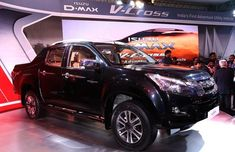 Isuzu has launched the D-Max V-Cross facelift in India.
