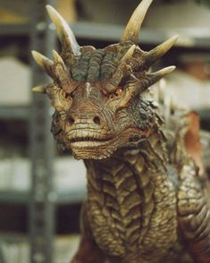 Sean Connery put his voice to the dragon Magical Creatures, Fantasy Creatures, Dragon Medieval, Rabe Tattoo, Mythical Dragons, Dragon Heart, Dragon Artwork, Dragon Head Drawing, Clay Dragon