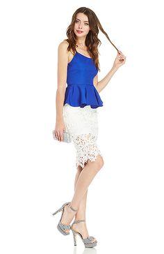 DAILYLOOK Venetian Lace Skirt in Pink XS - L | DAILYLOOK