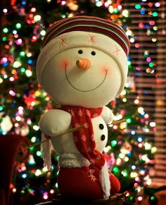 snowmen at christmas become mandatory decorations that will enliven your christmas everybody loves snowmen ranging from children to adults will enjoy - When Did Christmas Become A Holiday