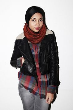 Yuna Boyish Look: Flannel plaid, structured leather jacket, inner bonnet + circular scarf around the neck