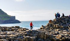 Enjoy a once in a life time experience on a Wild Rover Full Day Tour from Dublin to visit the Giants Causeway Belfast Titanic Experience & Black Taxi Tour