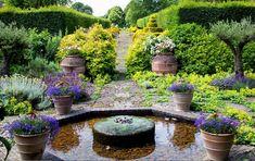 Highgrove gardens. Fountain