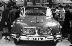 1969 képszám: 31536 találat: 105 / 166 orig: PÁLINKÁS ZSOLT MAGYARORSZÁG BUDAPEST XIV., VÁROSLIGET BUDAPESTI NEMZETKÖZI VÁSÁR csehszlovák gyártmányú Tátra 603/2 típusú személygépkocsi.