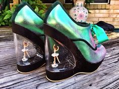 Grav3yardgirl got some nice shoes