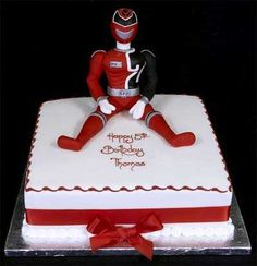 002589 SPD Power Ranger model Birthday Cake