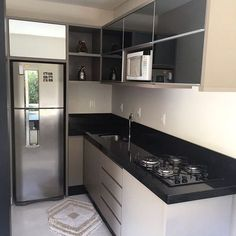 Cozinha em L: 70 modelos funcionais para incorporar no seu projeto Kitchen Room Design, Home Decor Kitchen, Interior Design Kitchen, Rustic Kitchen, Room Interior, Kitchen Ideas, Small Furniture, Bar Furniture, Design Furniture