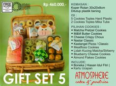 Idul Fitri Cookies Gift Set 5 | Price : 460 K nett | Content : 5 Cookies in Hardcase Plastic + 2 Cookies in tubes | Packaging: Rattan Suitcase | Incl: Doll, Decoration  Greeting Card | Free Delivery for BDG area