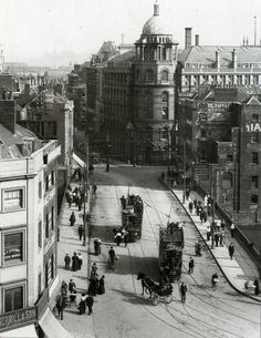 1916 Looking down on Bristol Bridge towards Victoria Street Bristol Bridge, Bristol Street, City Of Bristol, Bristol Uk, Vintage Pictures, Old Pictures, Old Photos, Vintage Photography, Street Photography