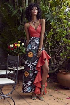 Hot Havana Night here I come! Cuba Fashion, Brazil Fashion, Fashion Show, Fashion Design, Mode Outfits, Night Outfits, Kreative Portraits, African Fashion, Beautiful Dresses