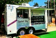 Website that lists and maps all the Austin food trailers