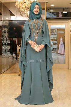 Abaya Style 576671927271717022 - 50 Best Abaya Designs For 2020 Abaya Designs Latest, Abaya Designs Dubai, Mode Niqab, Abaya Mode, Muslim Women Fashion, Islamic Fashion, Niqab Fashion, Fashion Dresses, Modern Hijab Fashion