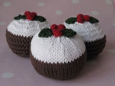 Mini christmas pudding knitting pattern by louiseshandknits, Mini Christmas Puddings, Christmas Knitting, Christmas Traditions, Christmas Crafts, Christmas Ideas, Ravelry, Snowflakes, Knitting Patterns, Knit Crochet