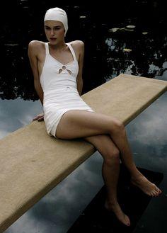 Beautiful swimsuit | Keira Knightly in Atonement via Pärla Ämne