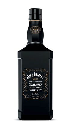 Jack Daniel's Birthday Edition - Jonathan Harper for Iris Worldwide PD Cigars And Whiskey, Scotch Whiskey, Alcohol Bottles, Drink Bottles, Jack Daniels Anniversaire, Cocktails, Alcoholic Drinks, Jack Daniels Black, Jack Daniels Birthday