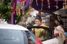 Malayali Wedding, Lakshmi Narayan Temple: Sanjeev + Reshmi http://www.emotioninpictures.com/malayali-wedding-lakshmi-narayan-temple-sanjeev-reshmi/