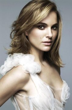 Natalie Portman ♥ From #brunette to #blonde and back a again! We do that all day long! PhoenixSalon #LoveWhatWeDo