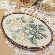 Lovely to be listing some of the beautiful vintage finds I've collected over the past few weeks! Oval framed floral cross-stitch now in our shop!  #crossstitch #framedcrossstitch #vintagecrossstitch #floralembroidery #handembroidery #vintageembroidery