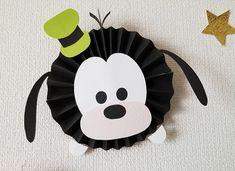 ペーパーファンのディズニーツムツムお誕生表を制作しました〜プリプリ2019年4月号特別付録 | Happy Birthday Project Bolo Mickey E Minnie, Fiesta Mickey Mouse, Mickey Party, Mickey Mouse Birthday, Minnie Mouse Party, Mickey Mouse Template, Mickey Mouse Ornaments, Bat Craft, Tsumtsum