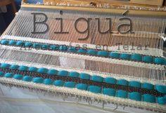 Tapiz realizado en telar maría. El uso de diversos materiales en la confección otorgan una diversidad de textura muy especial.