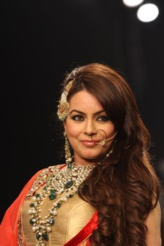Mahima Chaudhary Showstopper at IIJW 2013. Bollywood Wallpaper MADHUBANI PAINTINGS MASK PHOTO GALLERY  | I.PINIMG.COM  #EDUCRATSWEB 2020-07-27 i.pinimg.com https://i.pinimg.com/236x/45/c8/54/45c8544507416799c5be687ac2a3fc75.jpg