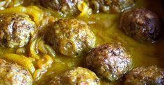 Curry meat balls •1 kg good quality beef mince •1 large tomato •1 slice of white bread, left in a little bit of milk •1 teaspoon dried t... White Bread, Balls, Curry, Milk, Beef, Vegetables, Ethnic Recipes, Food, Meat