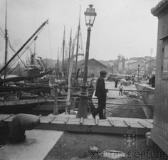 Muelle Linares Rivas 1913 Industrial, Boat Dock, Old Pictures, Cities, Industrial Music