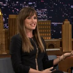 65 trendy hair styles with bangs and layers jennifer garner Mom Hairstyles, Trendy Hairstyles, Jennifer Garner Hair, Long Layers With Bangs, Hair And Makeup Tips, Blonde Color, Hair Color, Hair Today, Celebrity Style