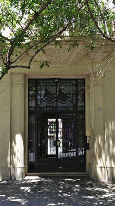 Edificio art decó. Lavalle y Larrea. Once, Buenos Aires.