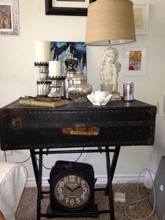 Old suitcase as a table!!