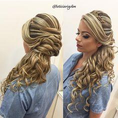 Hair and Make up ✈️ Cursos Profissionais   Acessórios para noivas @grinaldasleticiarigolim  contato@leticiarigolim.com.br  Snap   leticiarigolim